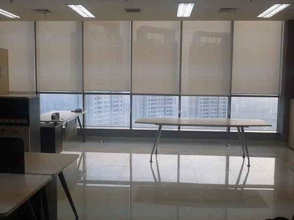 Roller blinds solar screen